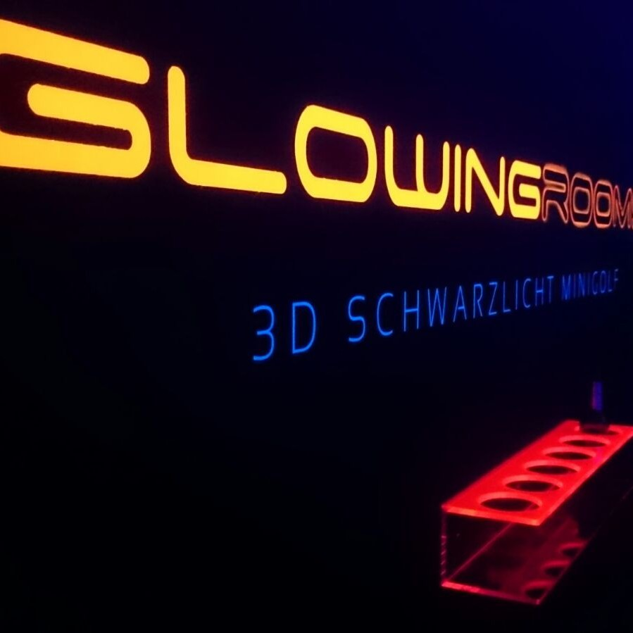 Glowing rooms - Minigolf mal anders